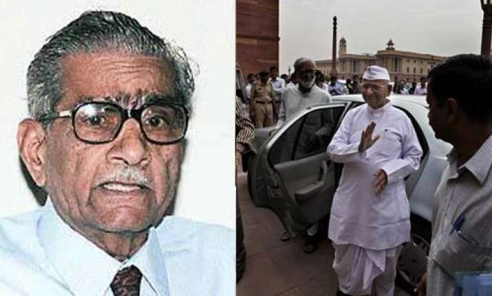 cd controversy anna hazare backs shanti bhushan