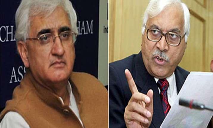 cec complains to pm against law minister khurshid