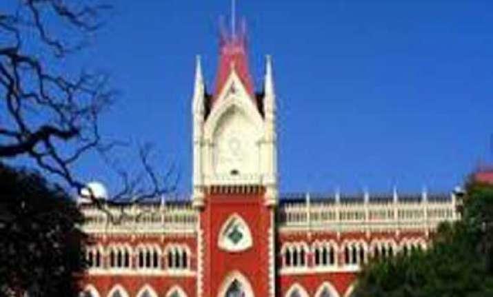 calcutta high court bans battery run rickshaws in two
