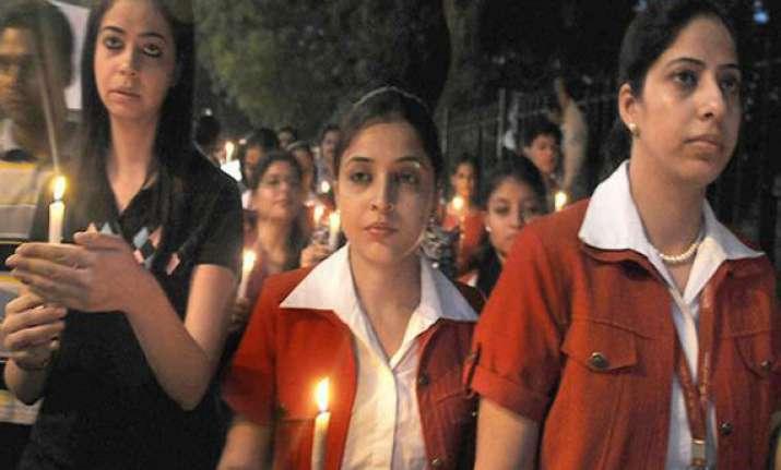 candle light rally by kingfisher staff at kolkata airport