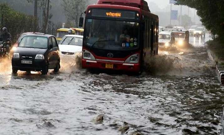 celebs twitter over delhi rains