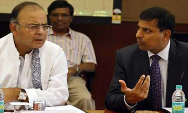 centre meets to discuss inflation asks states to crack down