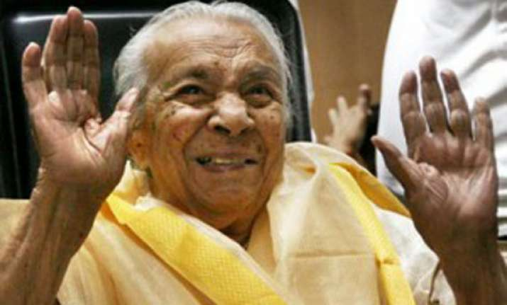 centre refuses to allot flat for 101 year old actor zohra