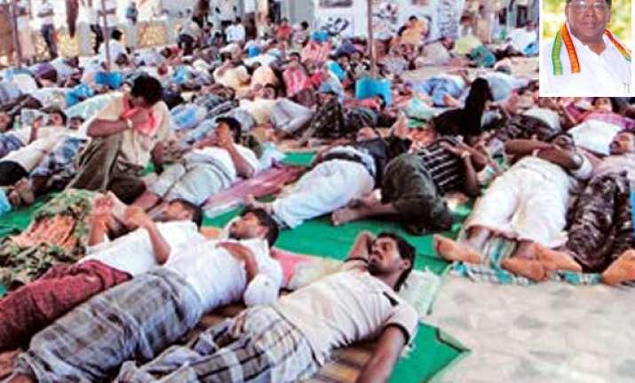 centre invites koodankulam protesters to talks