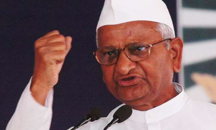 centre resorting to delaying tactics on lokpal says anna