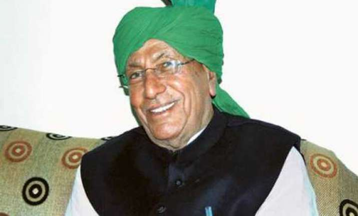 chautala says team anna wrongly taking credit