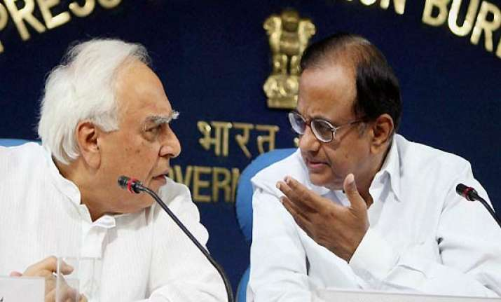 chidambaram had no role in 2g issue says sibal