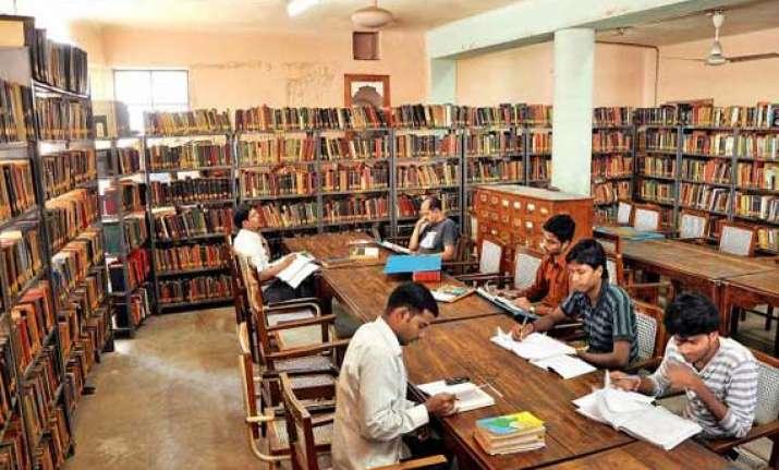 civil services aspirants demand change in syllabus