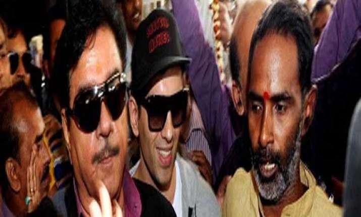 clash again in patna over shotgun s candidature