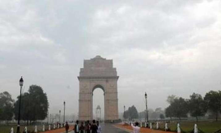 cloudy day rain ahead for delhi