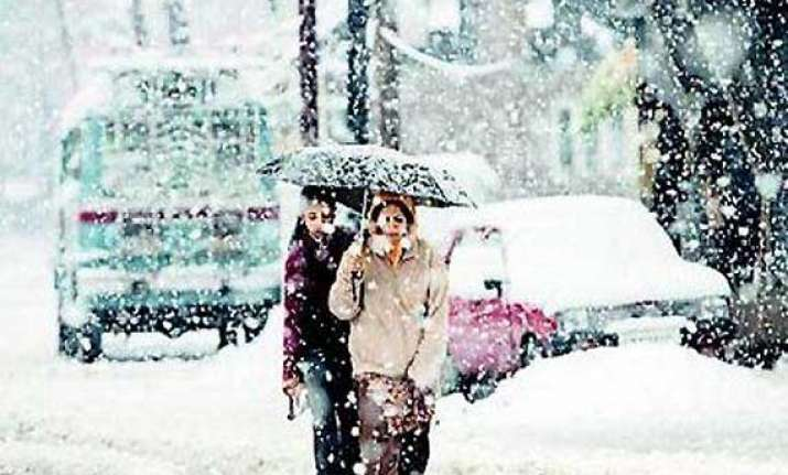 cold conditions continue unabated in kashmir
