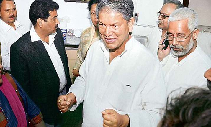 cong seeks to mollify rawat no change in leadership issue