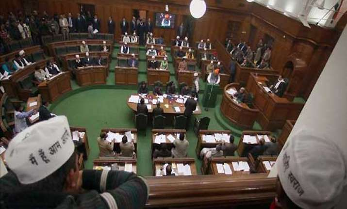 congress bjp oppose aap s hasty move to push jan lokpal bill