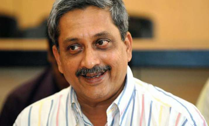congress alleges goa ceo colluding with cm parrikar