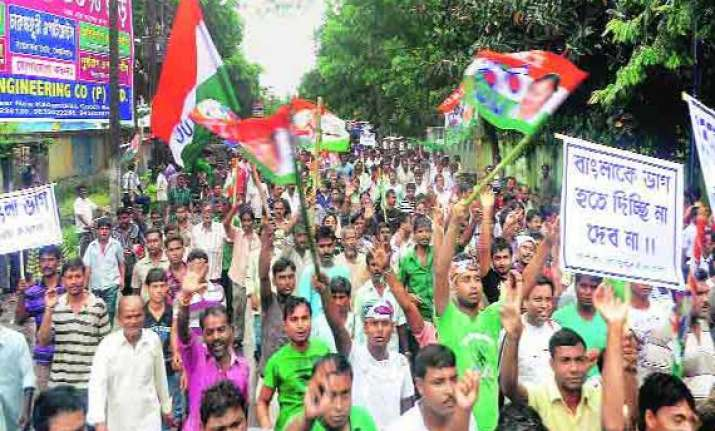 congress candidate in bengal declines to contest