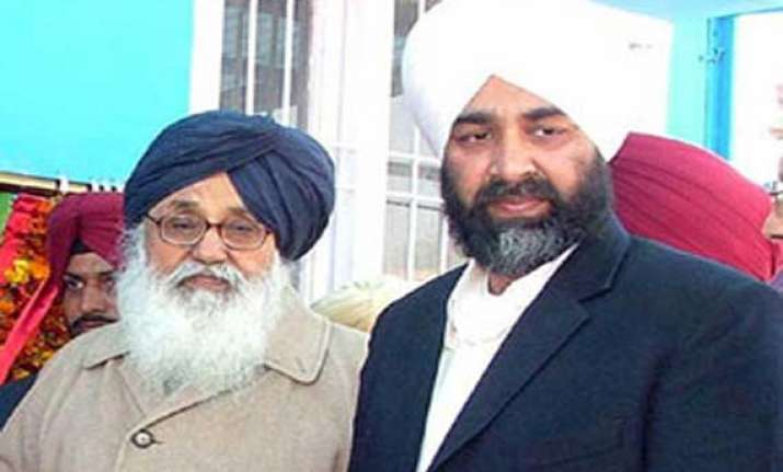 congress joins hands with badal s nephew in punjab