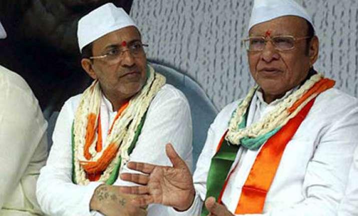 congress begins sardar sandesh yatra in gujarat