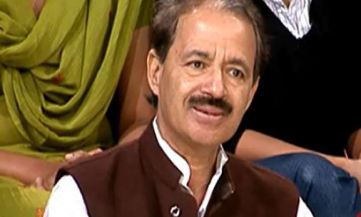 congress says bjp is inducting corrupt leaders in up