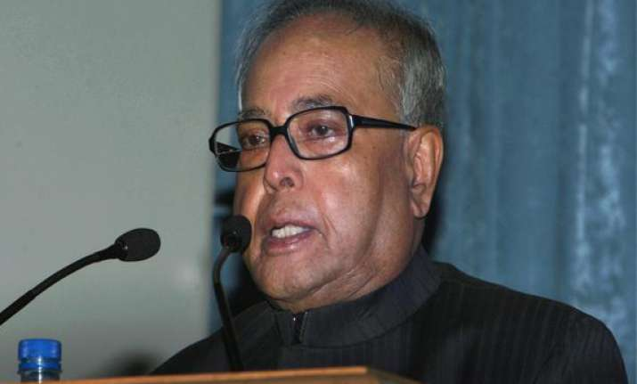 consultations on telangana to end on monday pranab