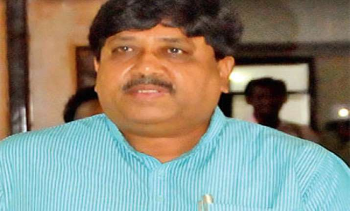 contempt of court notice to former gujarat minister sanghani