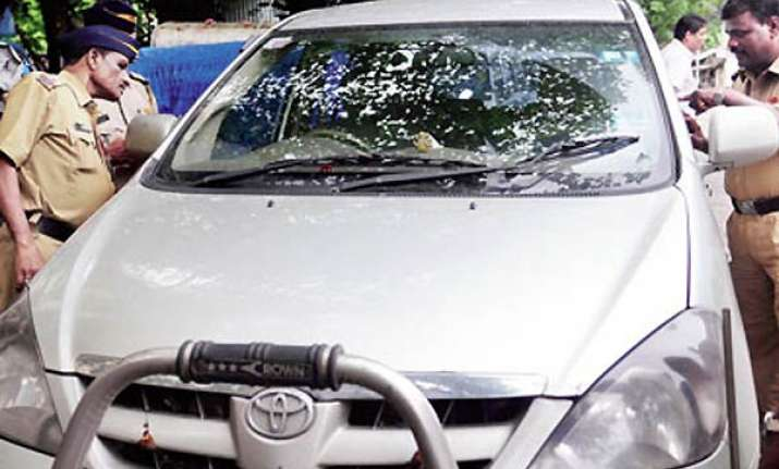 cops stop car with rs 1.68cr cash owner was headed to