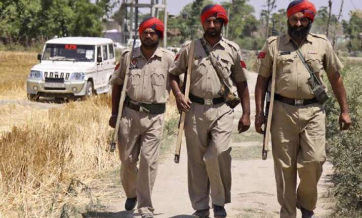 couple stabs chandigarh police inspector during patrolling