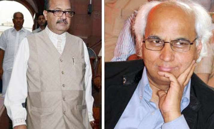 court summons amar singh kulkarni in cash for vote scam