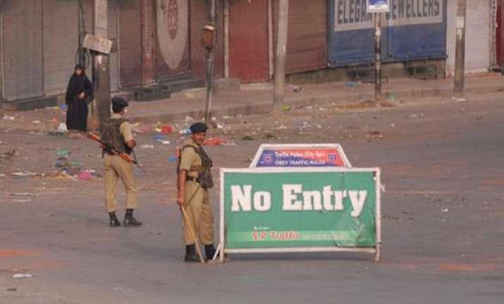 curfew continues in violence hit kishtwar bandh in jammu