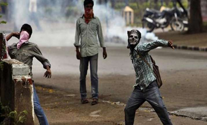 seemandhra curfew in vizianagaram but agitators not deterred