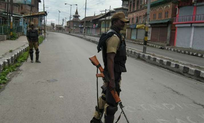 curfew continues in parts of srinagar
