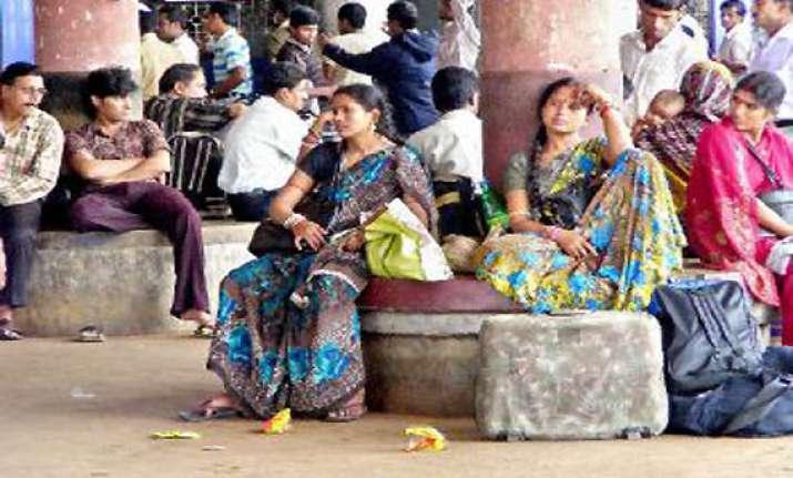 cyclone phailin shopkeepers bus owners in odisha make a