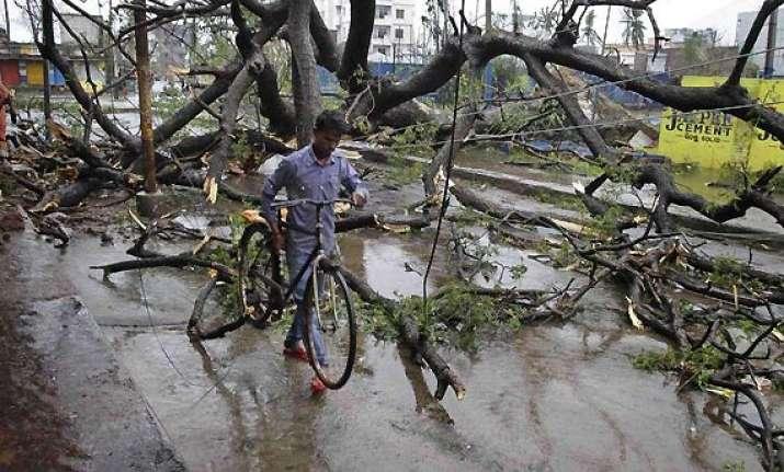 cyclone phailin 9 million people hit in odisha ap death