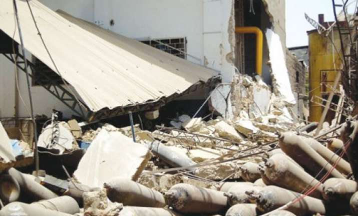 cylinder explosion in factory seven injured