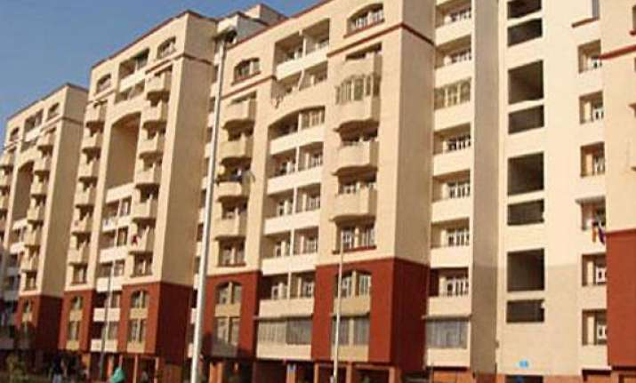 dda penalised directed to pay rs.2 lakh to flat applicant
