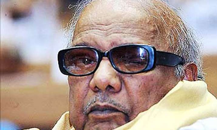 dmk may pull out its ministers at centre on friday