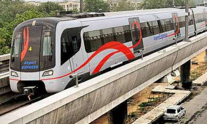airport metro fares slashed new delhi station to airport in