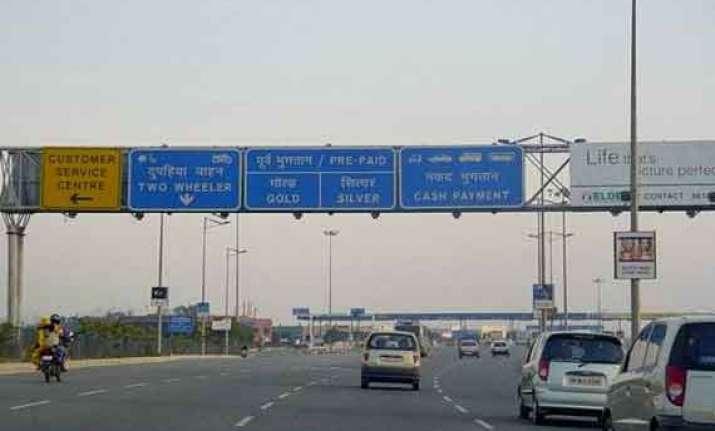 dnd flyway toll free for noida delhi commuters till feb 11