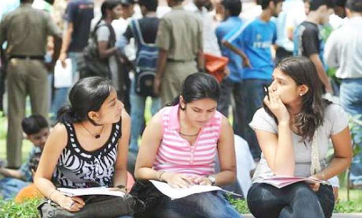 du receives record 2.5 lakh forms for fyup