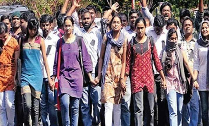 du students protest four year course