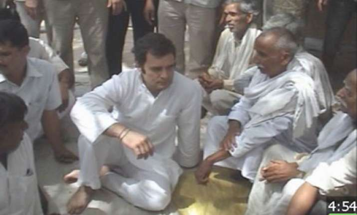 dalit card rahul gets dal roti night stay at a dalit s home