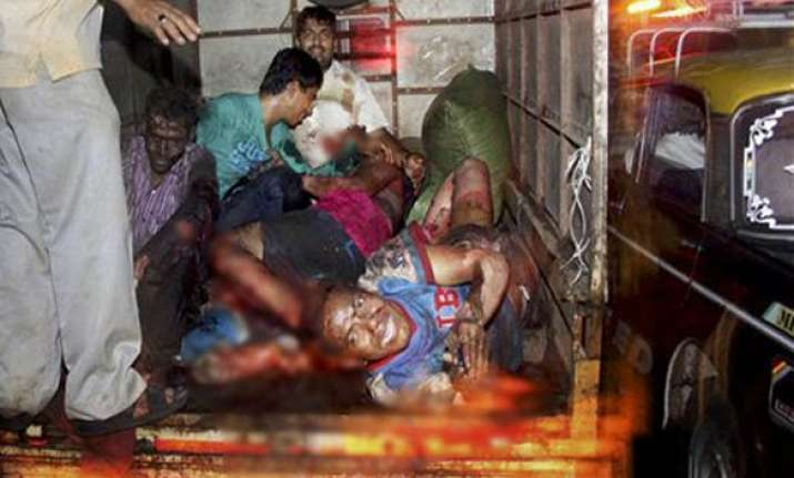 death toll in mumbai blasts rises to 19