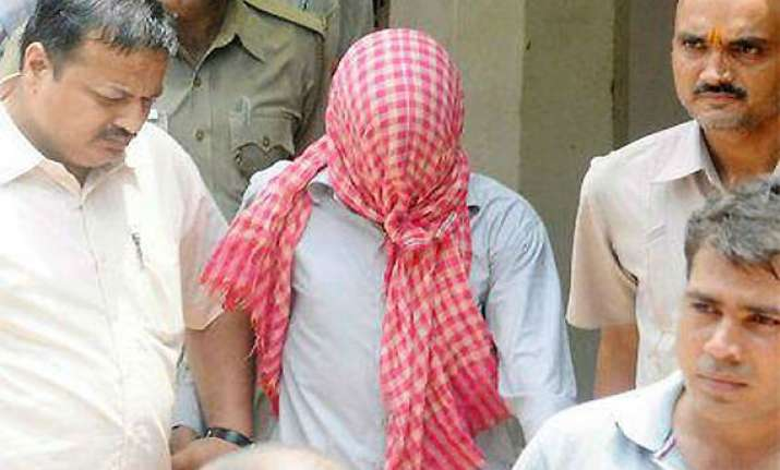 december 16 gangrape case two convicts file appeal in hc