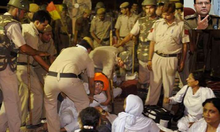 decision to swoop down on ramdev was political delhi police