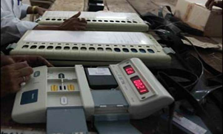 defective voting machine in pune transfers all votes to