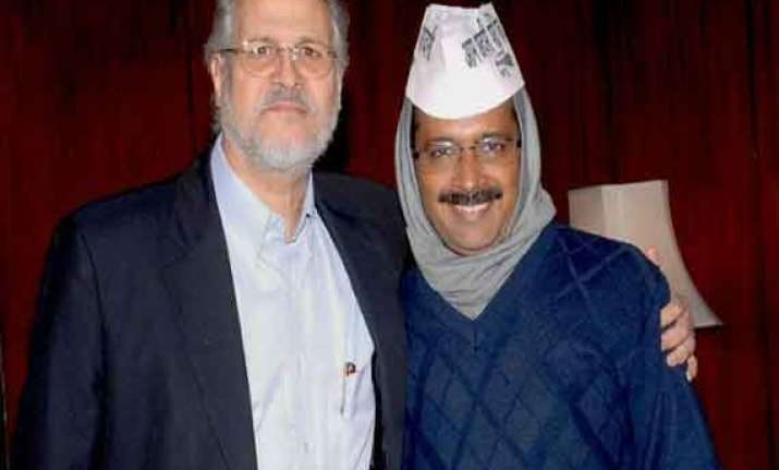 defiant kejriwal headed towards confrontation with lt