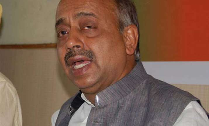 delhi bjp chief protests transfer of officials before polls