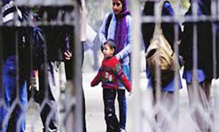 delhi hc extends stay on nursery admission till april 2