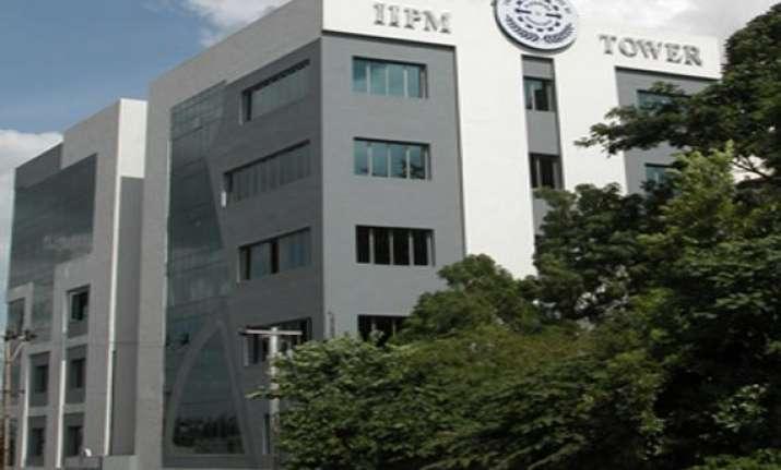 delhi high court quashes aicte notices against iipm