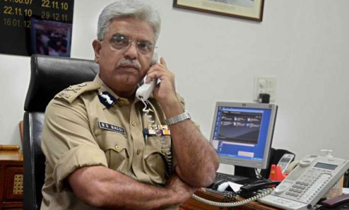 delhi police chief holds independence day security meet