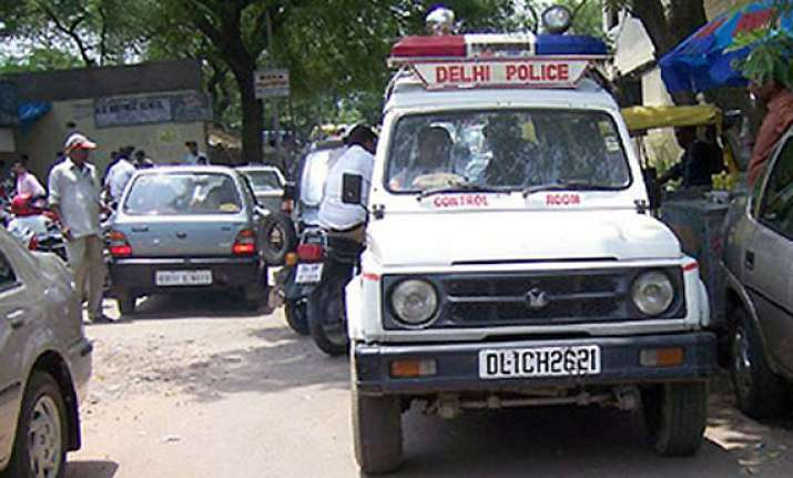 delhi police official s wife shot dead